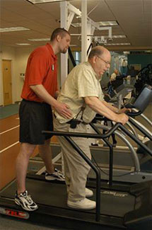 older-man-treadmill-with-pt
